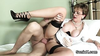 Cheating english milf lady sonia reveals her big knockers