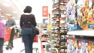 Geeky Pawg Milf in Jeans Chase (part2 of 2)