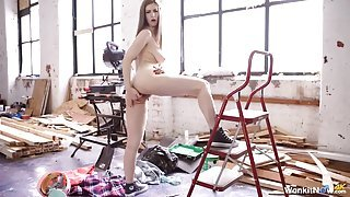 Stella Cox looks stunning standing in the nude