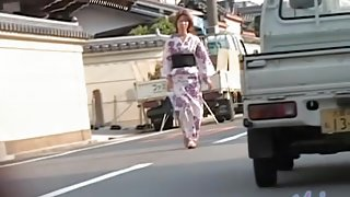 Public sharking of a gorgeous Japanese woman in a kimono